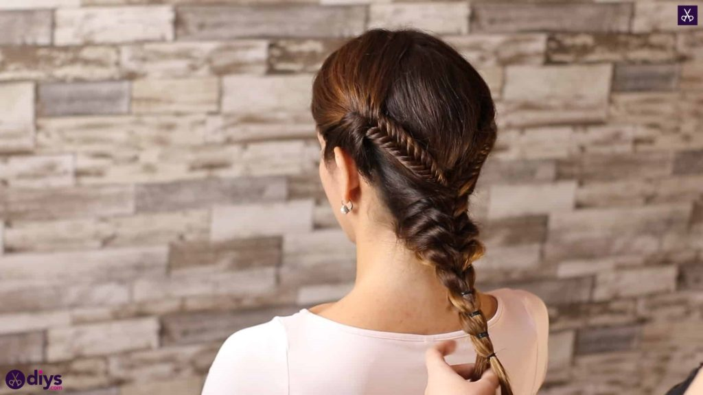 Romantic prom hairstyle tutorial step 4l