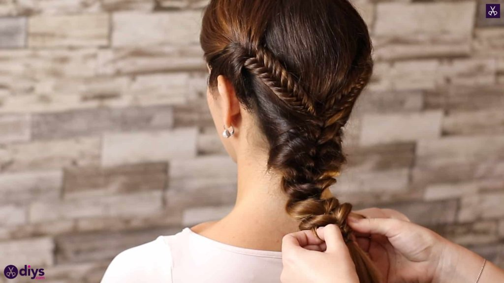 Romantic prom hairstyle tutorial step 5a