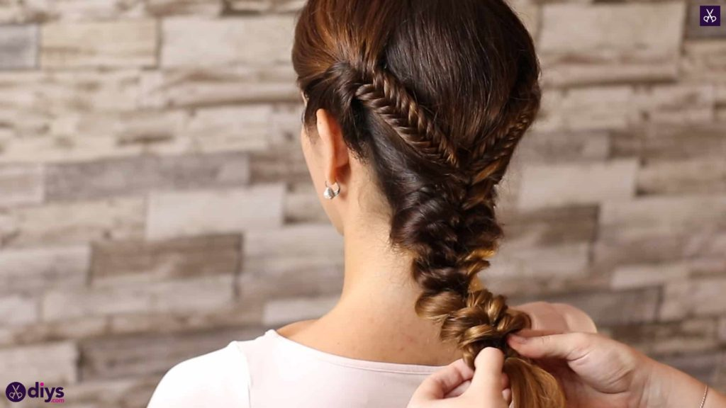 Romantic prom hairstyle tutorial step 5b