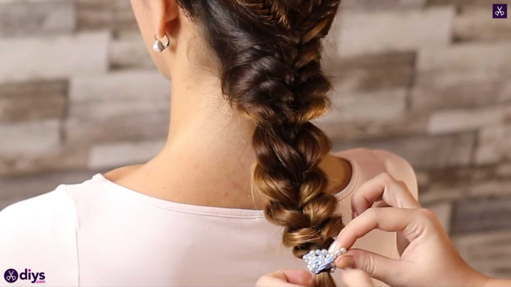 Romantic prom hairstyle tutorial step 5d