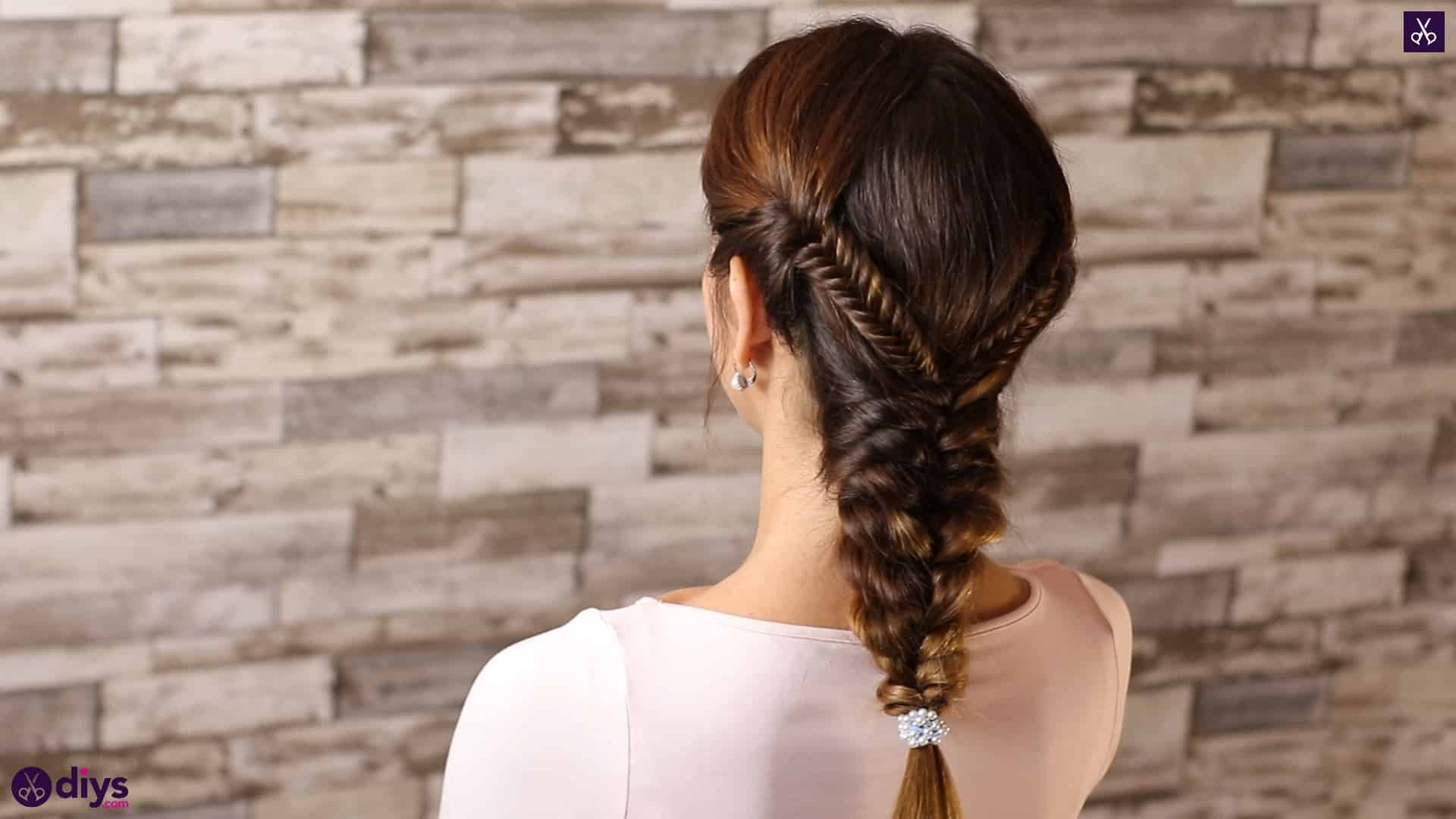Romantic prom hairstyle tutorial step 5e