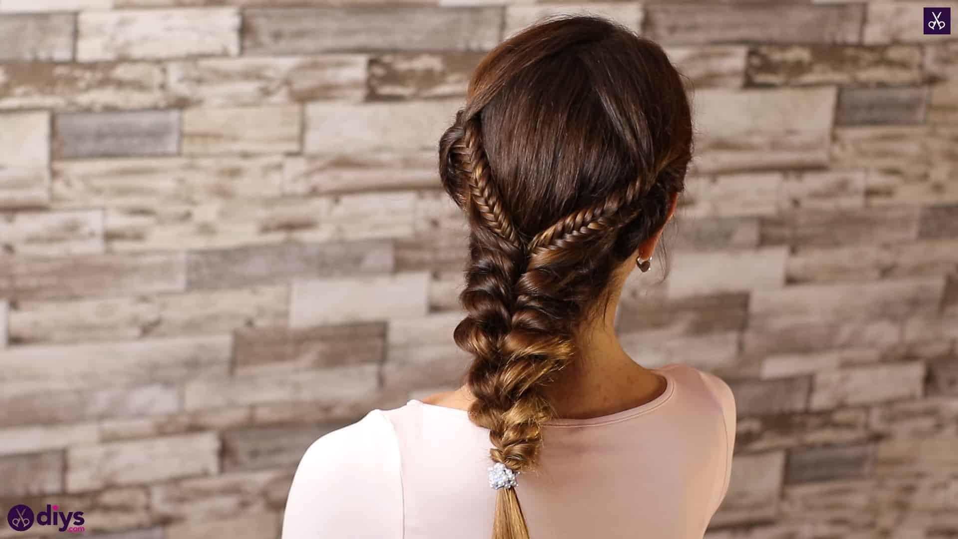 Romantic prom hairstyle tutorial step 5i