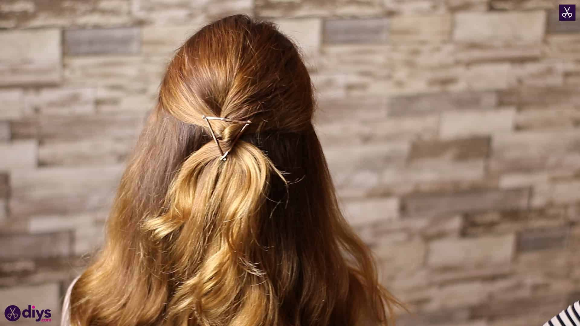 Updo hairstyle for wavy hair 1