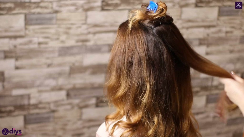 Updo hairstyle for wavy hair 15