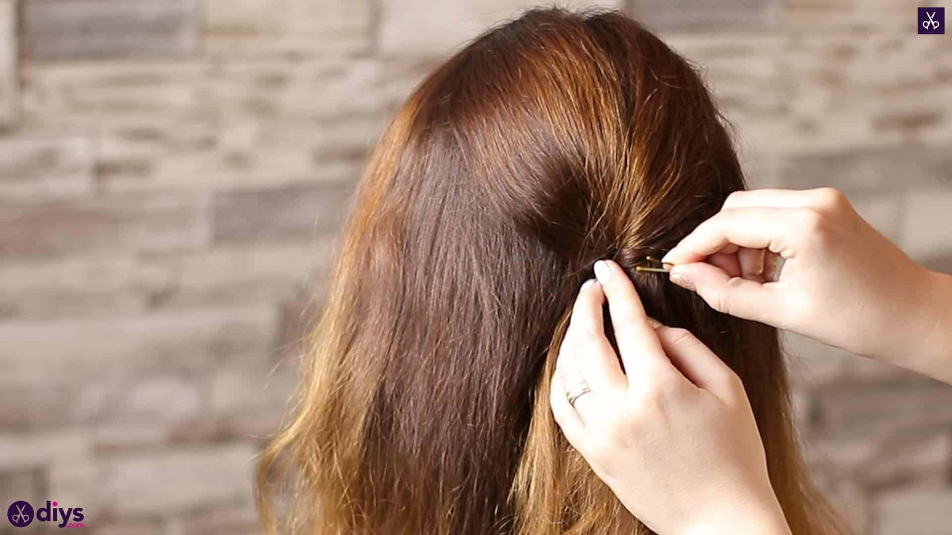 Updo hairstyle for wavy hair 24