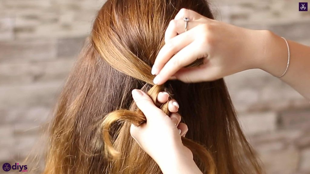 Updo hairstyle for wavy hair 30
