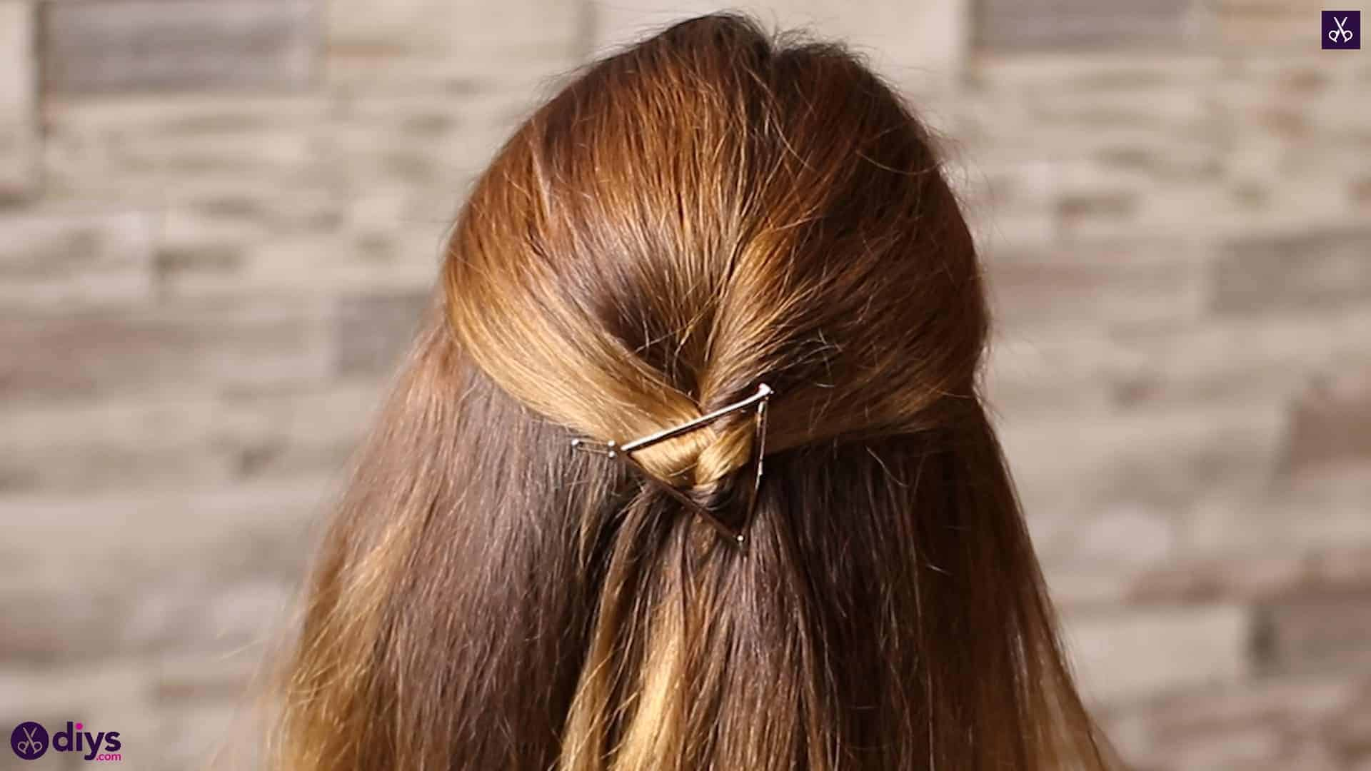 Updo hairstyle for wavy hair 35
