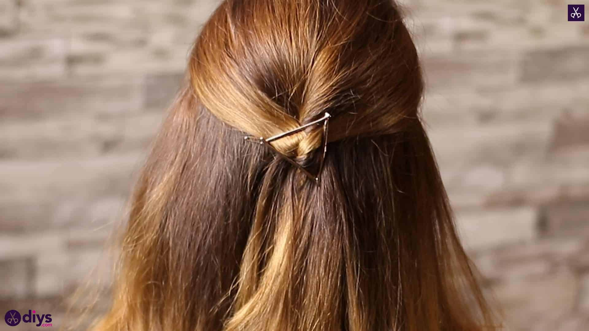 Updo hairstyle for wavy hair 36
