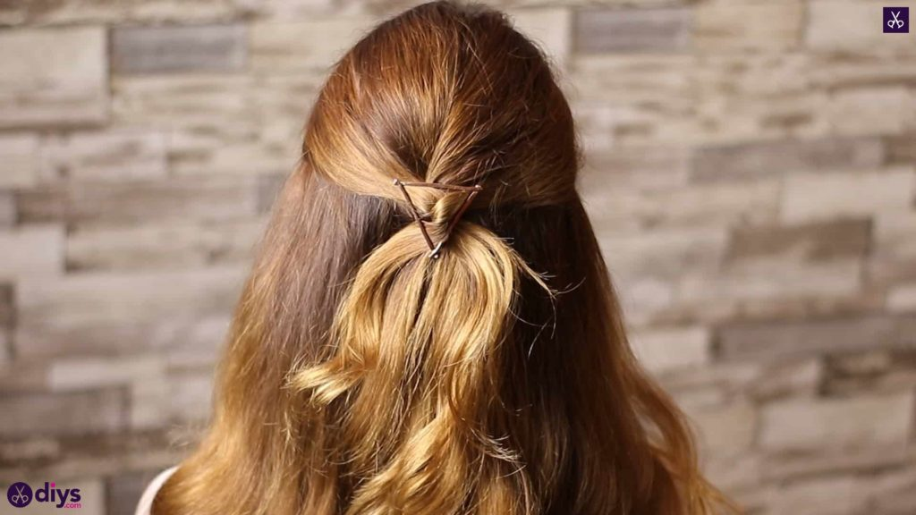 Updo hairstyle for wavy hair 38