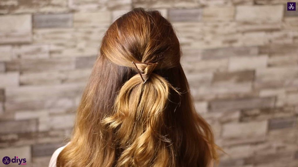 Updo hairstyle for wavy hair 4