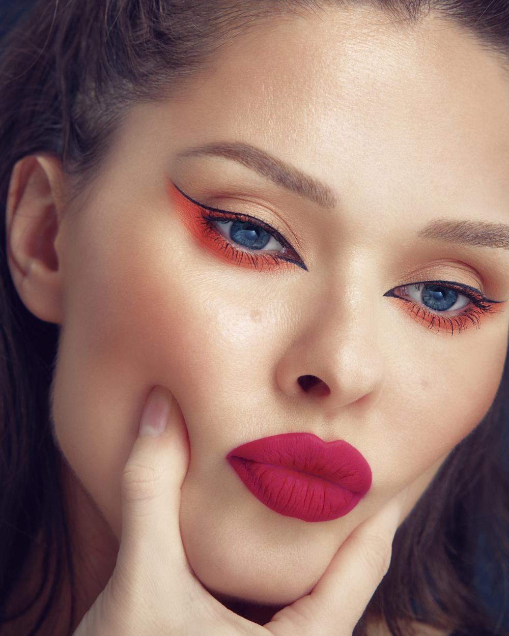 Thin eyeliner design