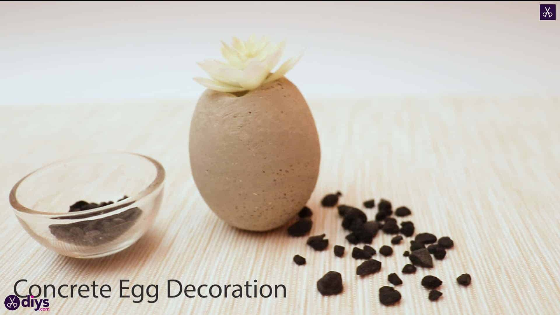 Concrete egg decoration