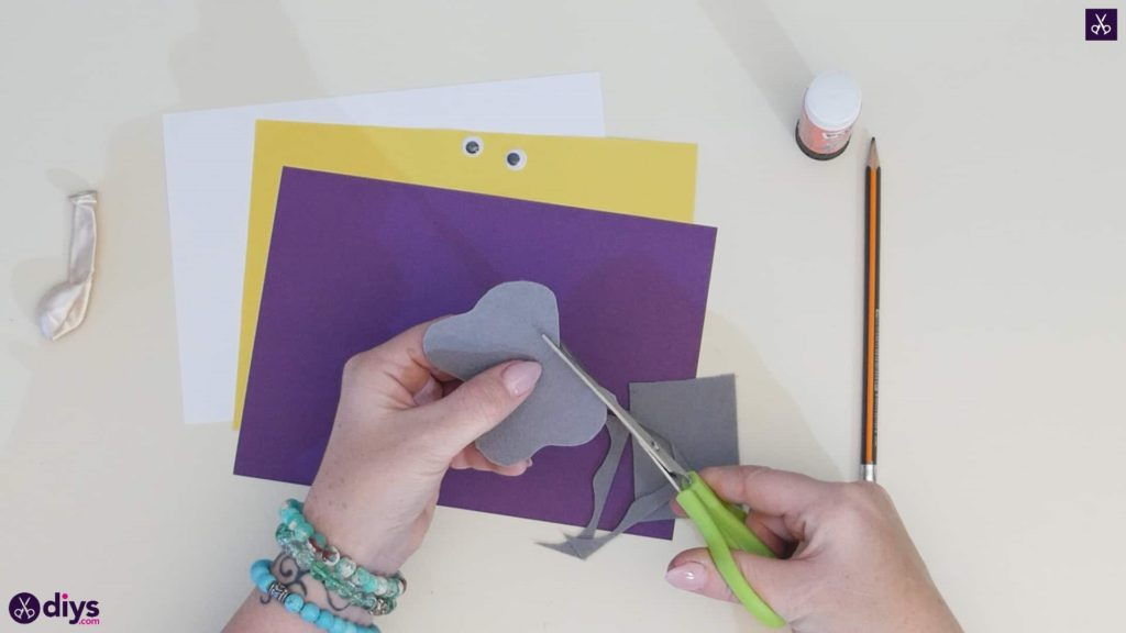 Diy balloon elephant card step 1
