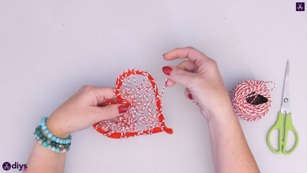 Diy hanging heart wall decor step 4e
