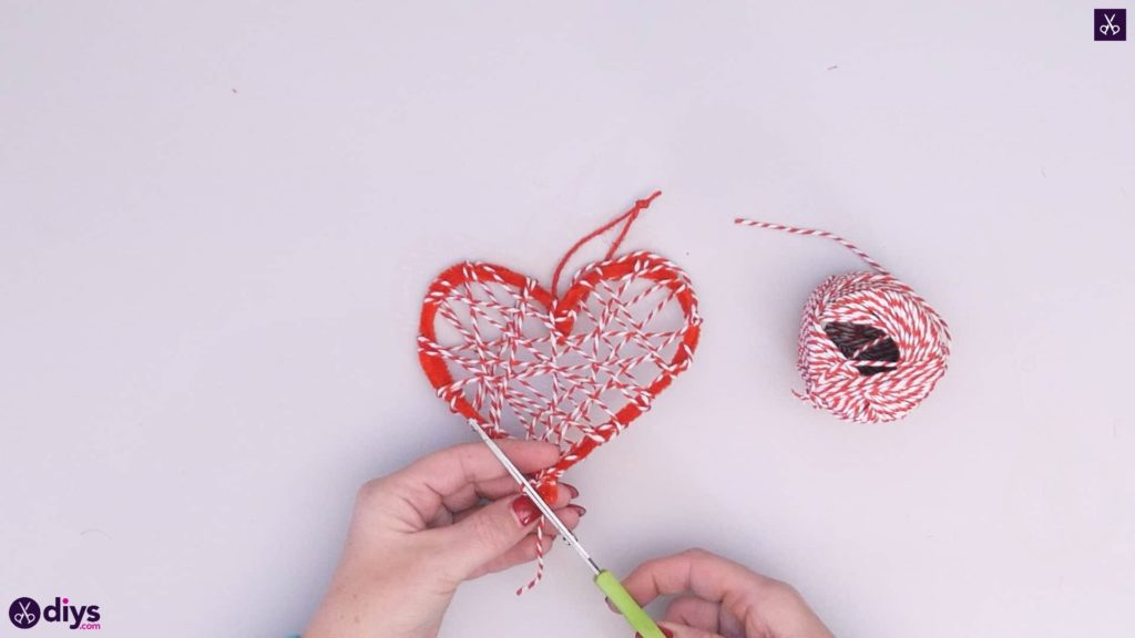 Diy hanging heart wall decor step 4h