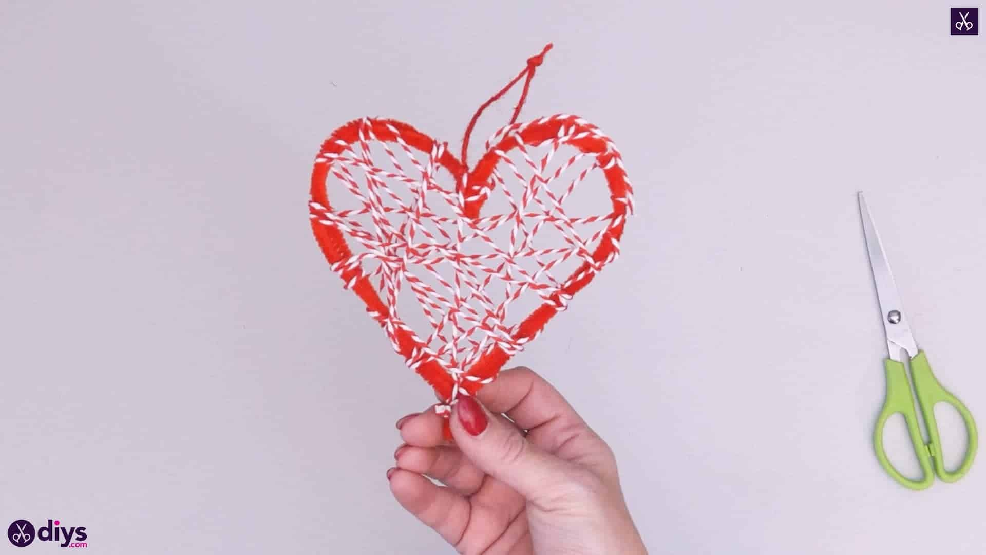 Diy hanging heart wall decor step 4k