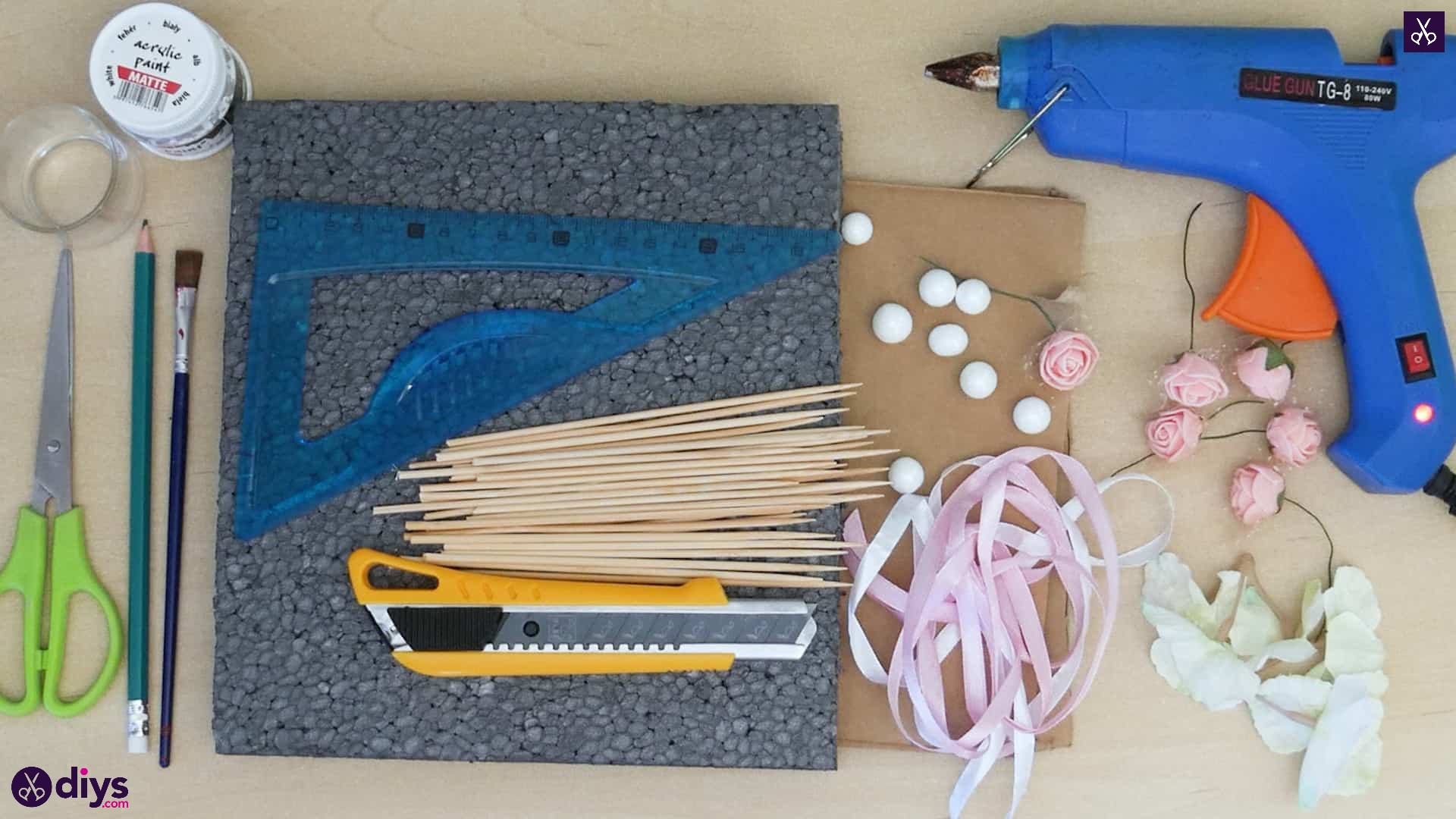 Diy miniature cage centerpiece materials