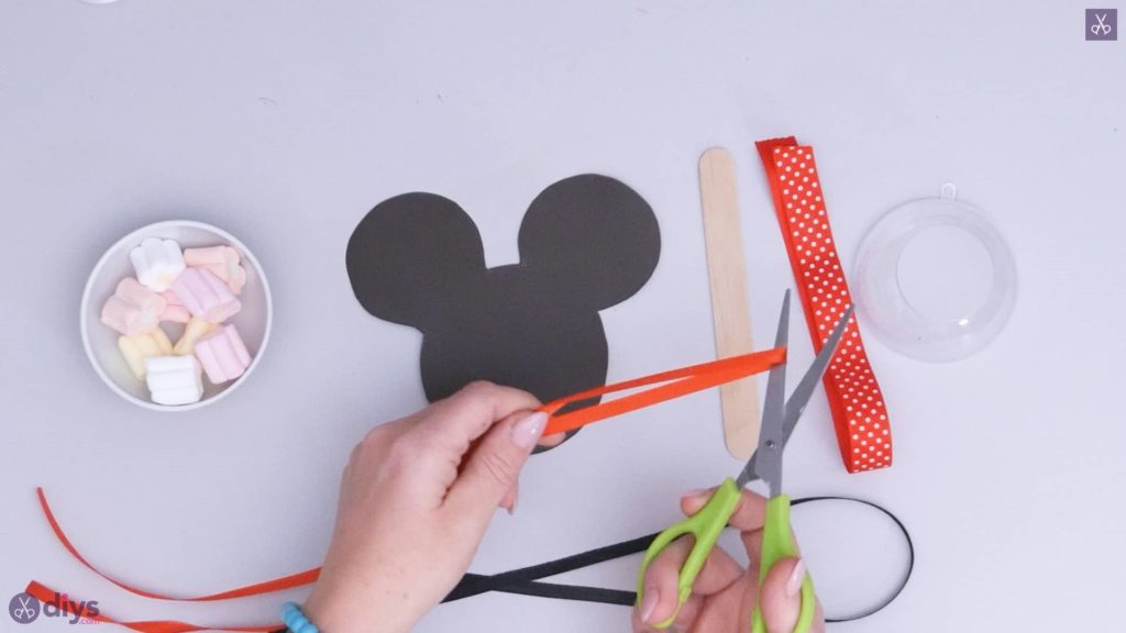 Diy minnie mouse candy holder step 3