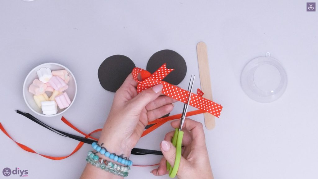 Diy minnie mouse candy holder step 3d