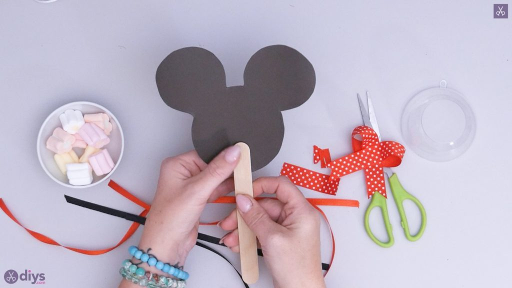 Diy minnie mouse candy holder step 4a