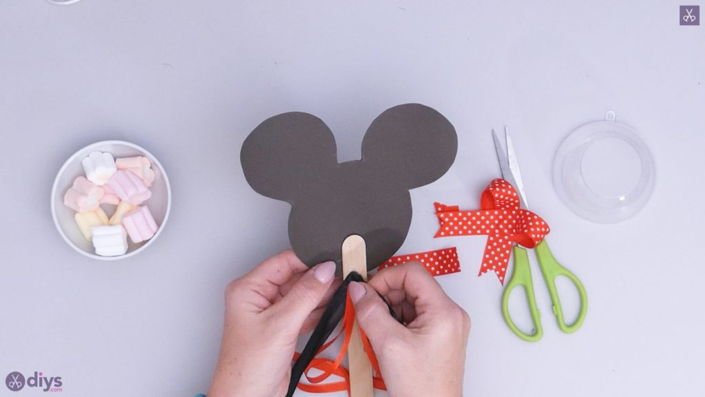 Diy minnie mouse candy holder step 6