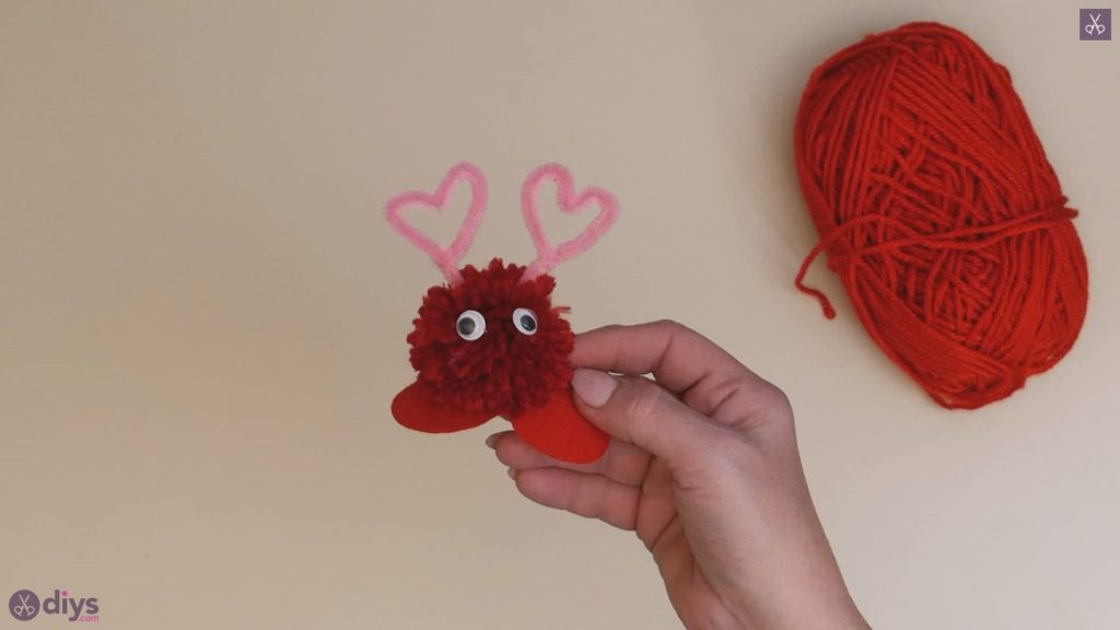 Diy pom pom love monster step 6c