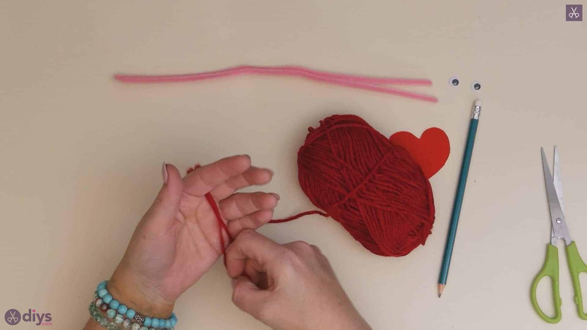 Diy pom pom love monster yarn