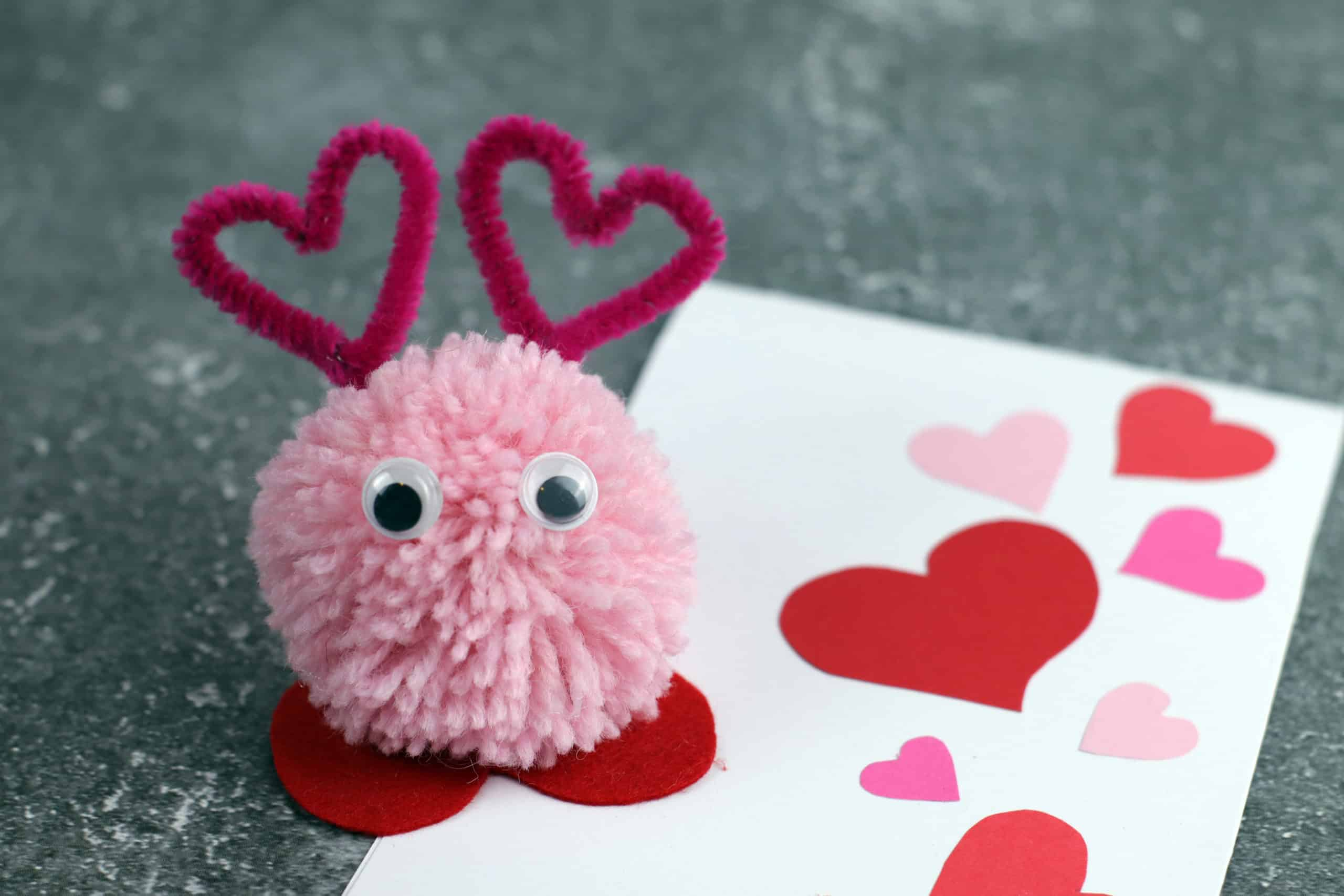 Diy pom pom love monster