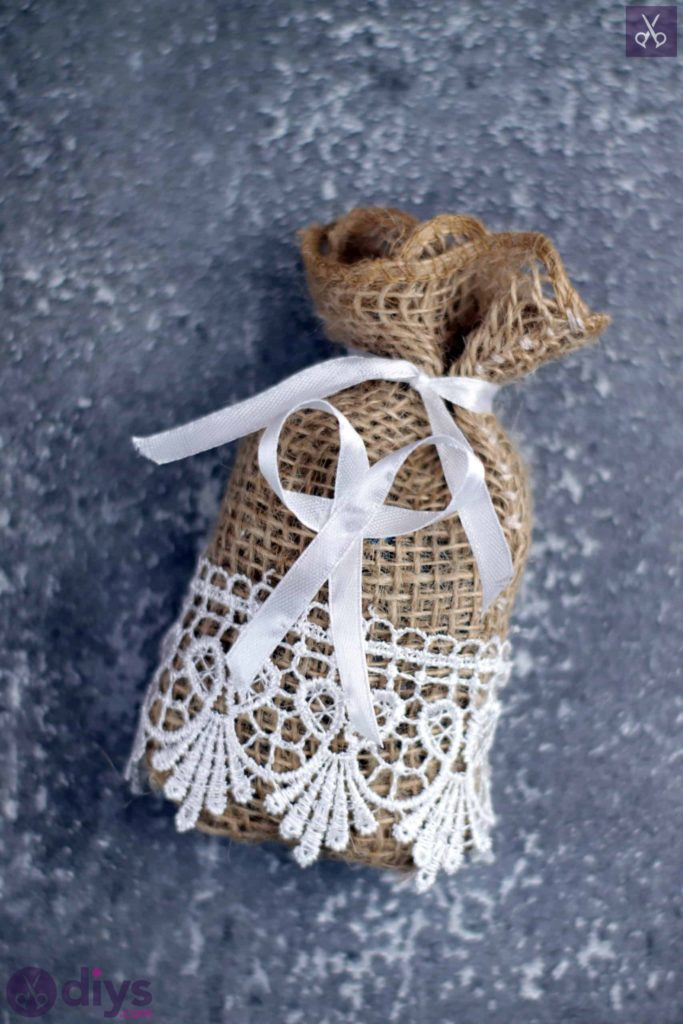 Diy rustic wedding favour bag easy project