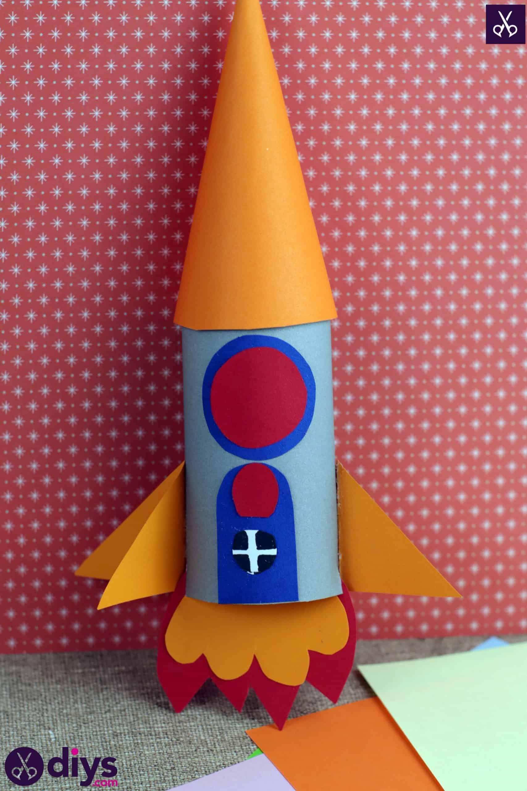 Diy toilet paper roll rocket cone