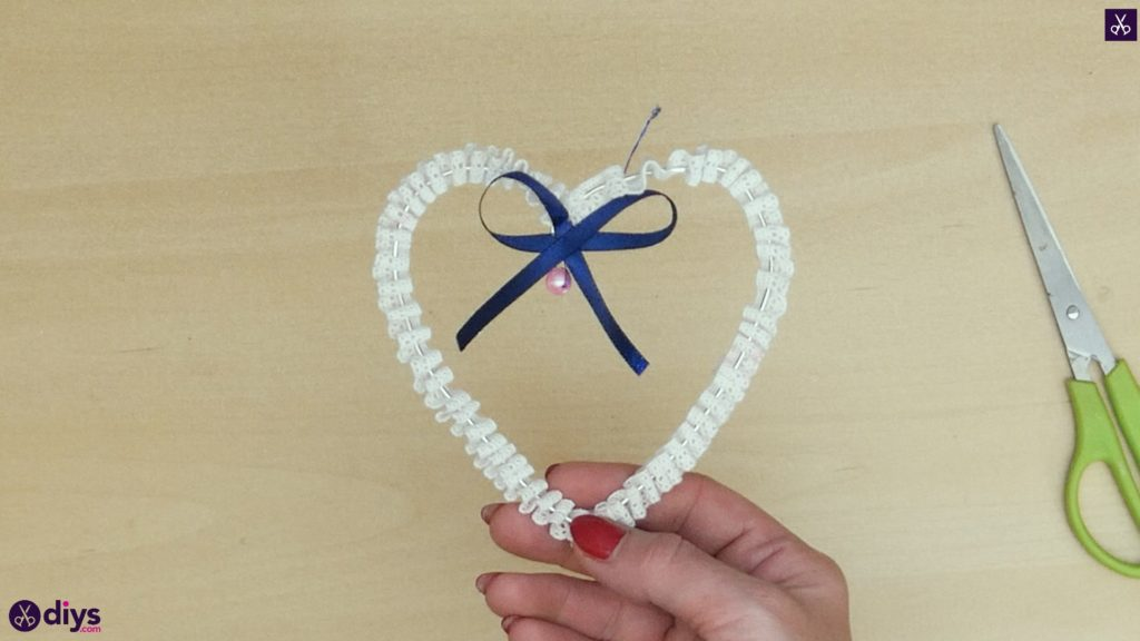 Diy wedding heart decor