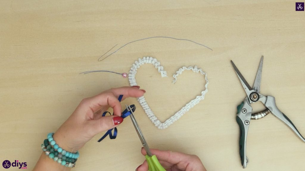 Diy wedding heart decor step 5b