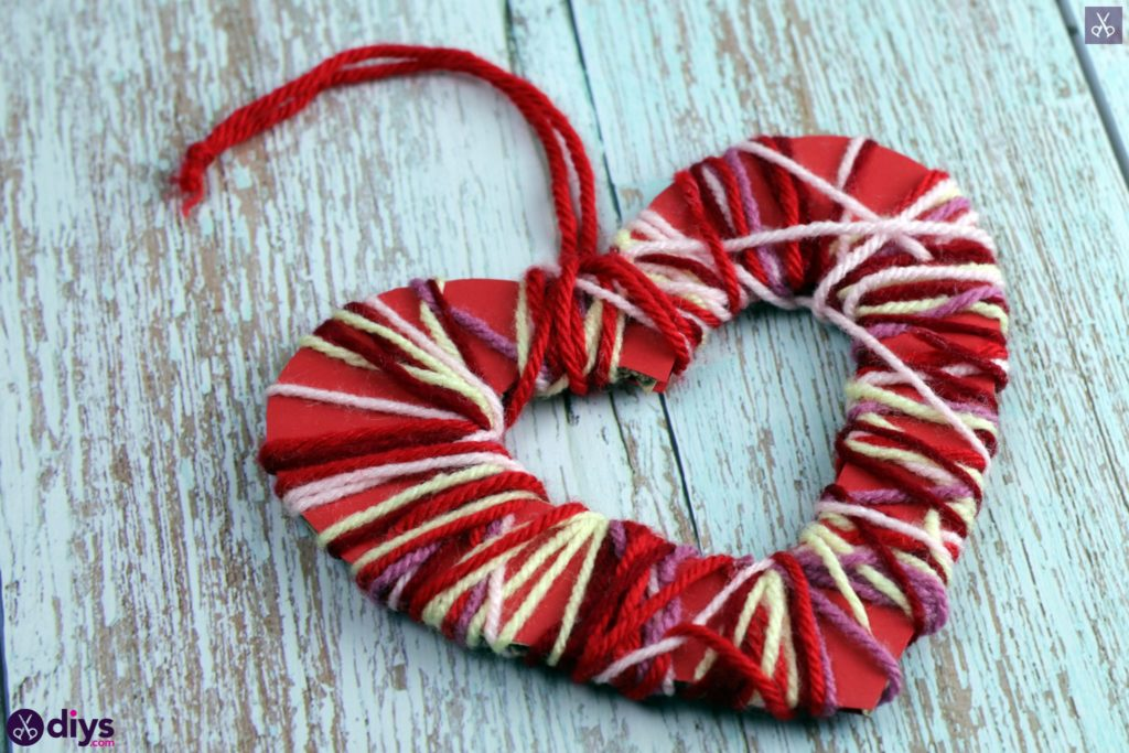 Diy yarn wrapped paper heart craft