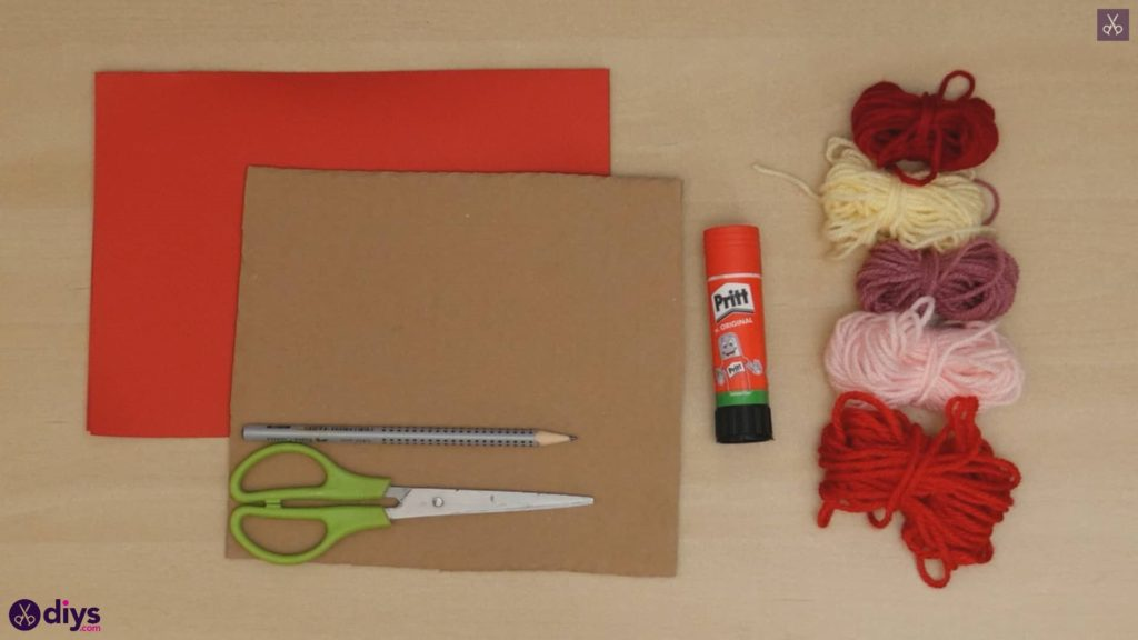 Diy yarn wrapped paper heart materials