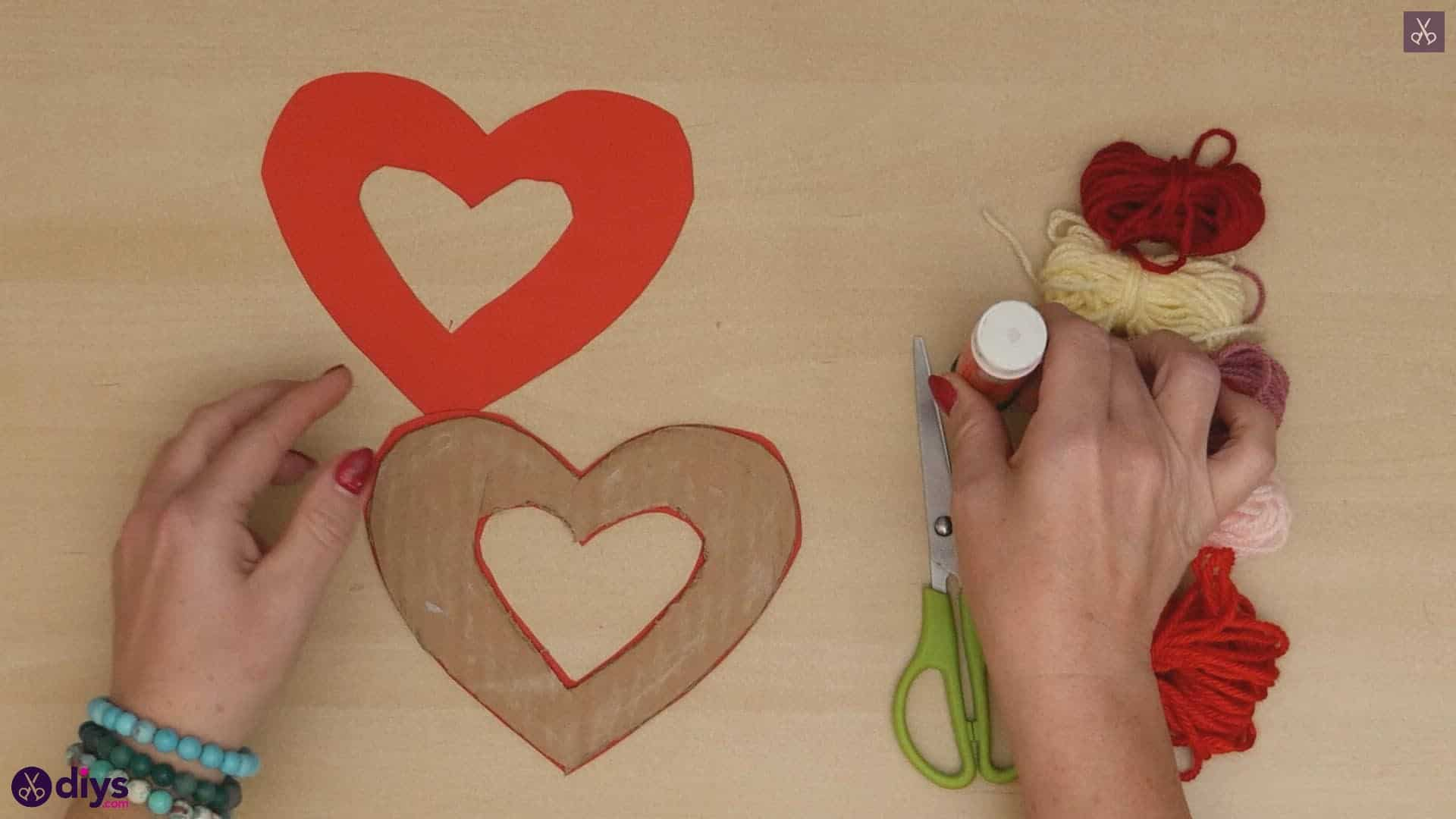 Diy yarn wrapped paper heart step 4a