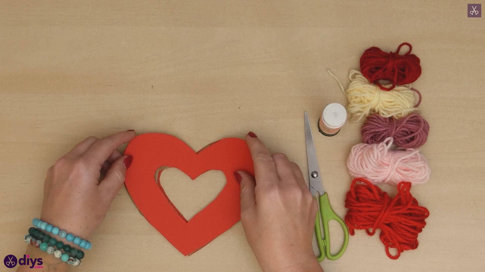 Diy yarn wrapped paper heart step 4b