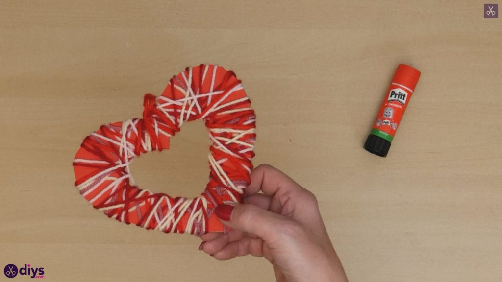 Diy yarn wrapped paper heart step 7b