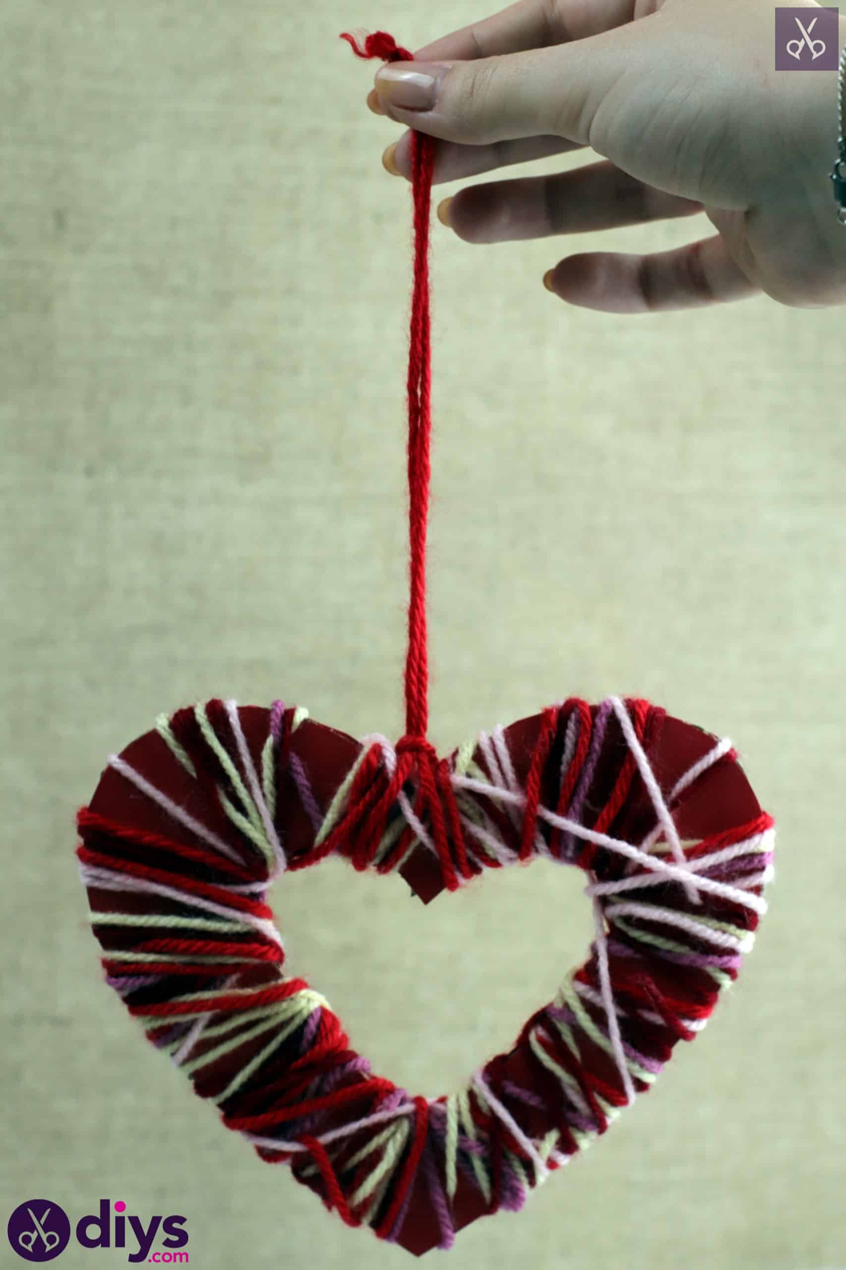 Diy yarn wrapped paper heart step 7c
