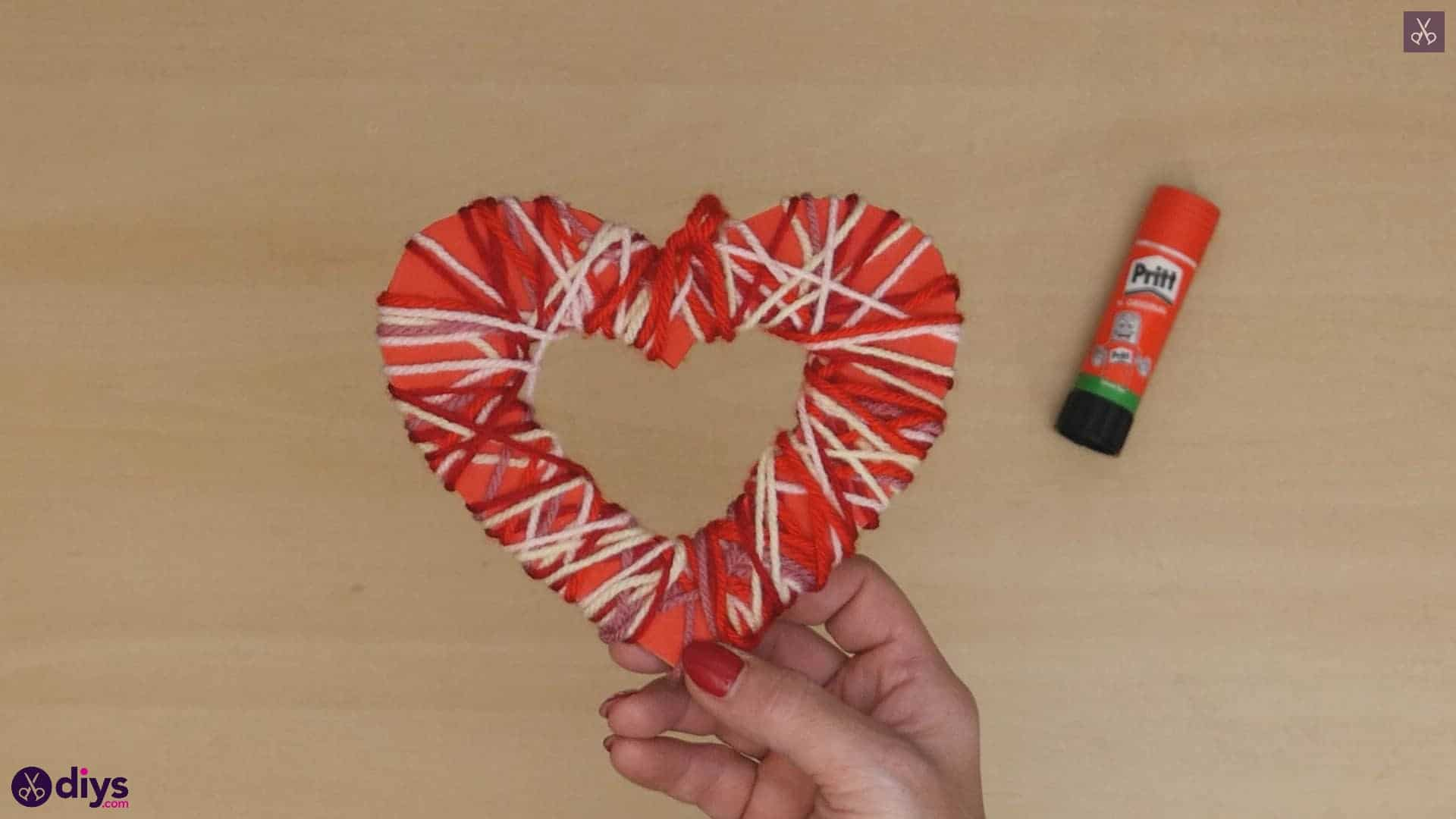 Diy yarn wrapped paper heart step 7d