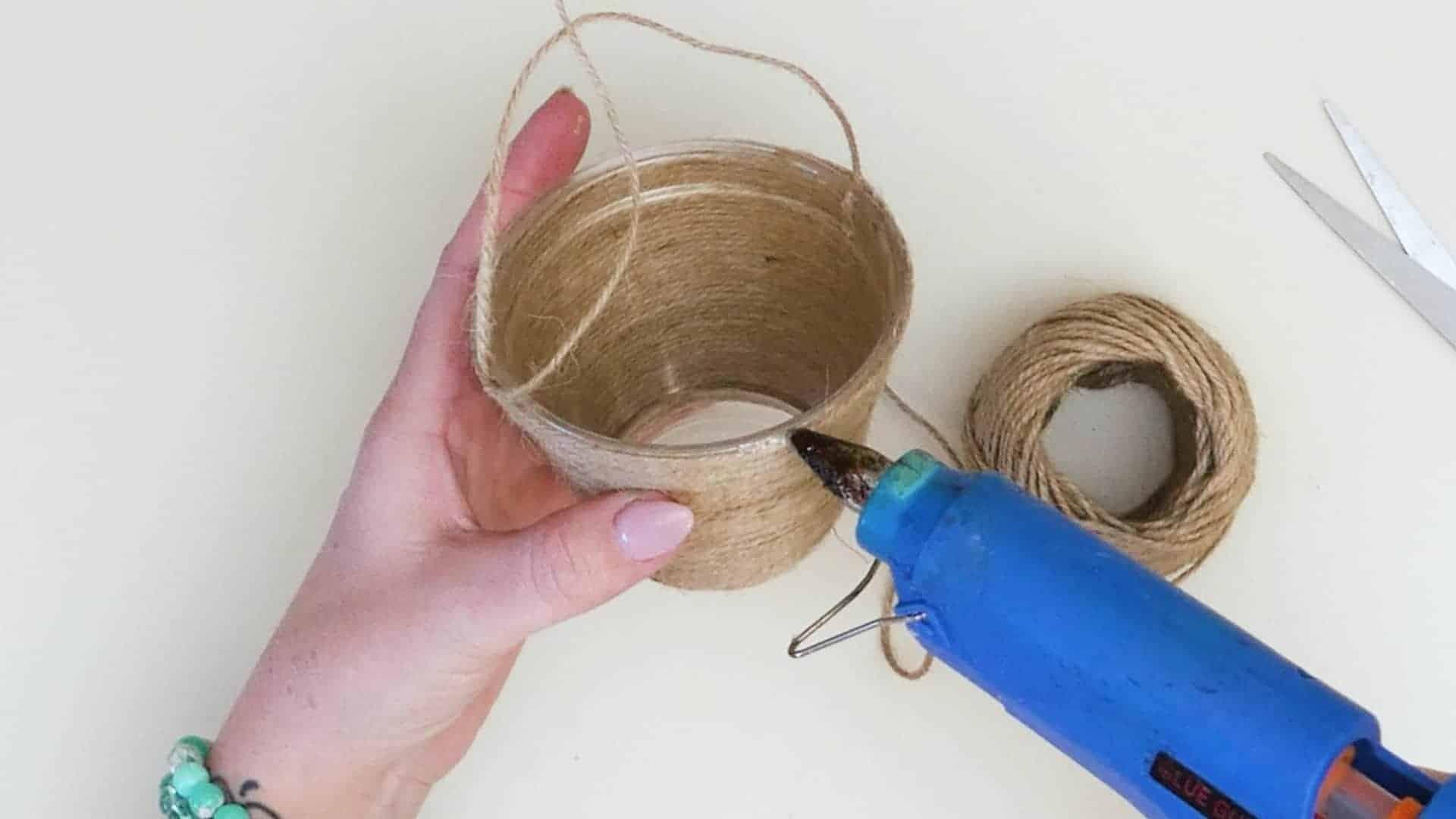 Mini jute wrapped basket cutting and glue