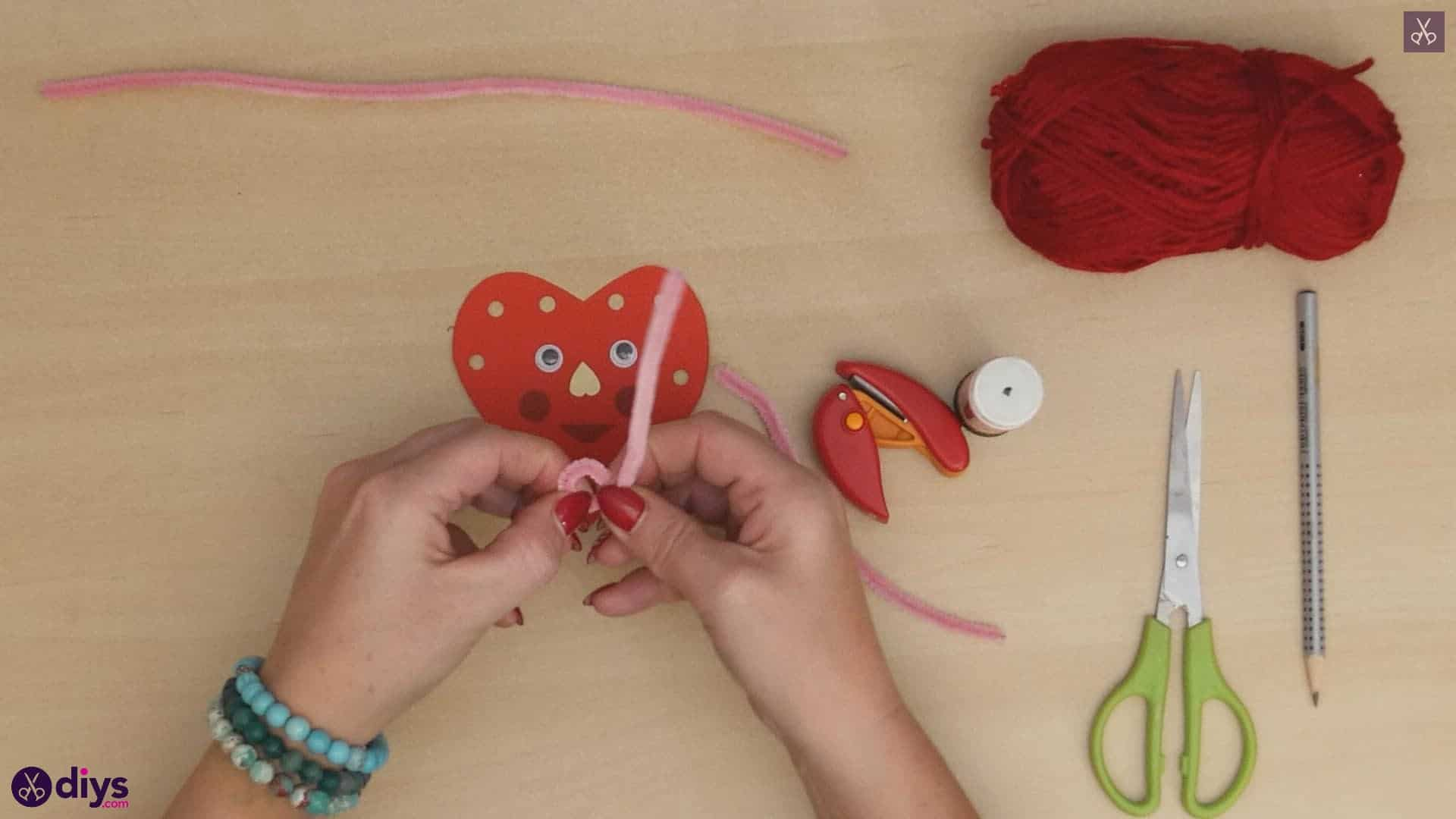 Paper valentine creature step 8b