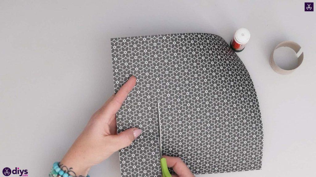 Toilet paper roll bracelet step 2