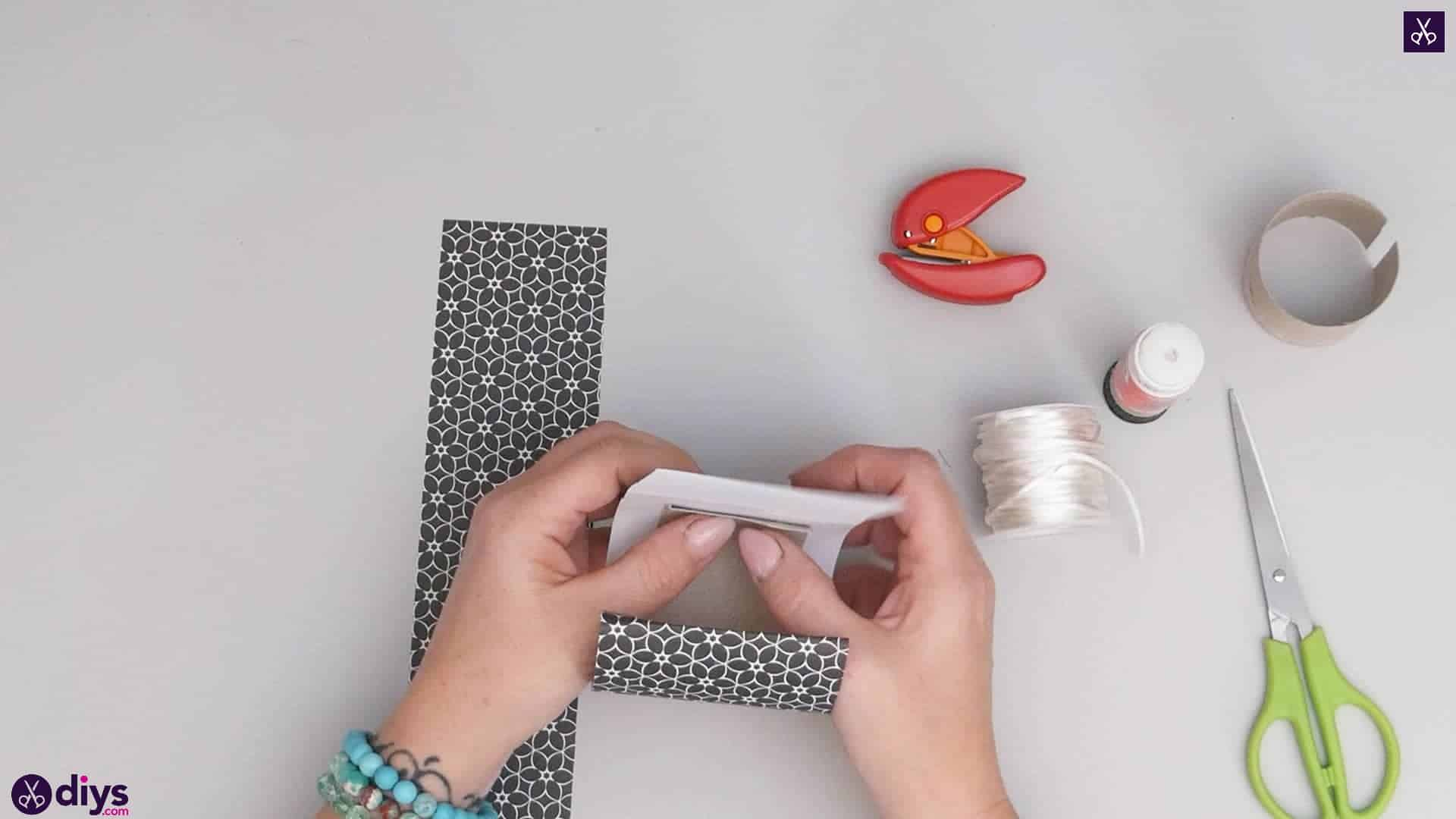 Toilet paper roll bracelet step 3b