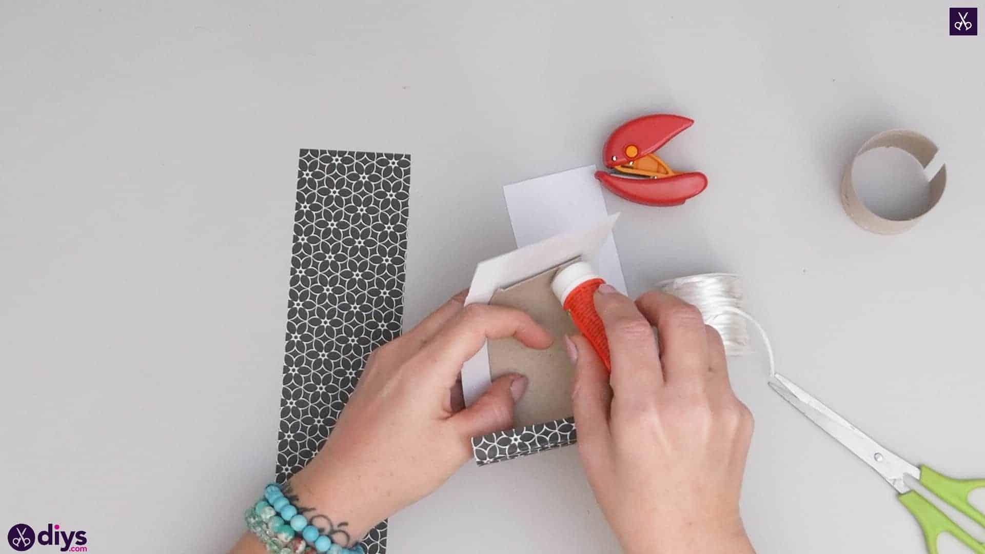 Toilet paper roll bracelet step 3c