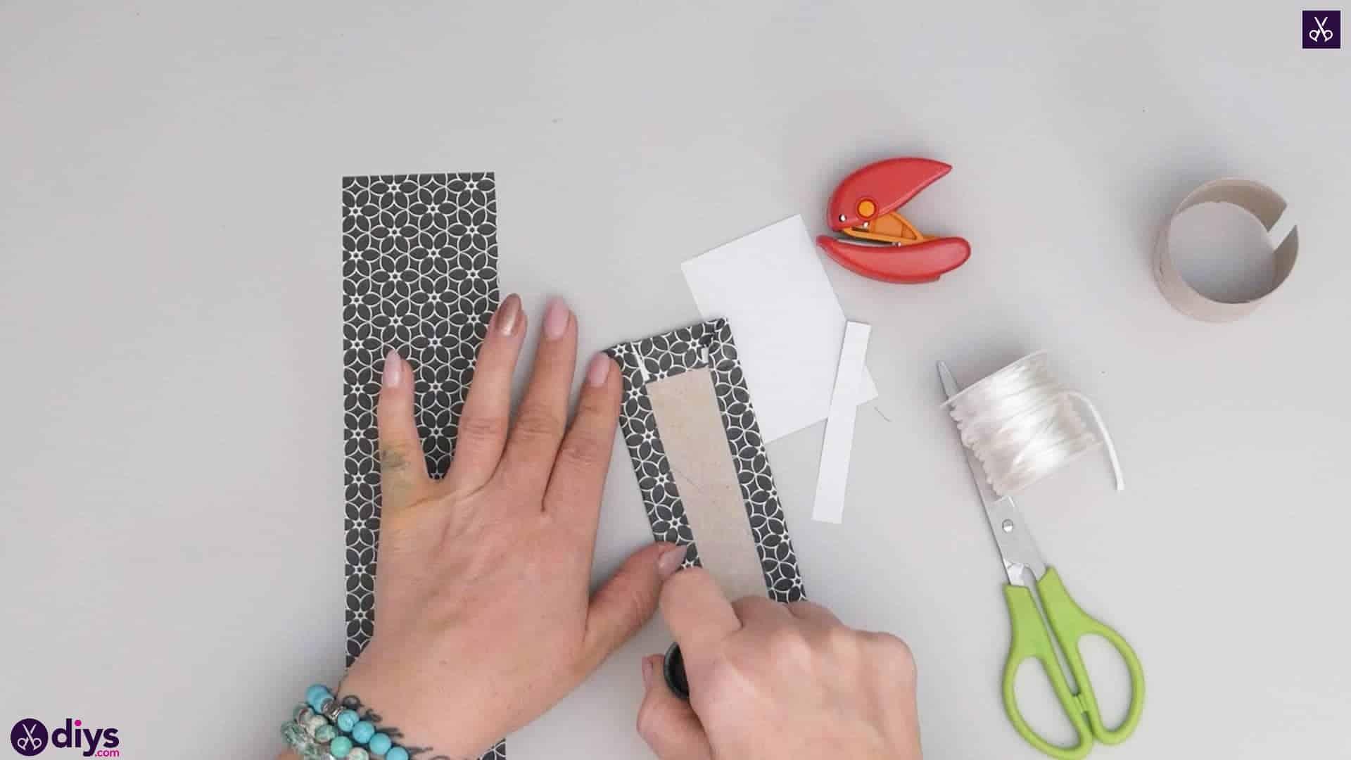Toilet paper roll bracelet step 3e