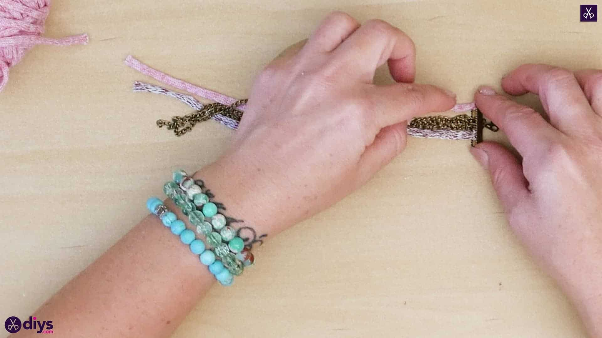 Yarn and chain bracelet step 2b