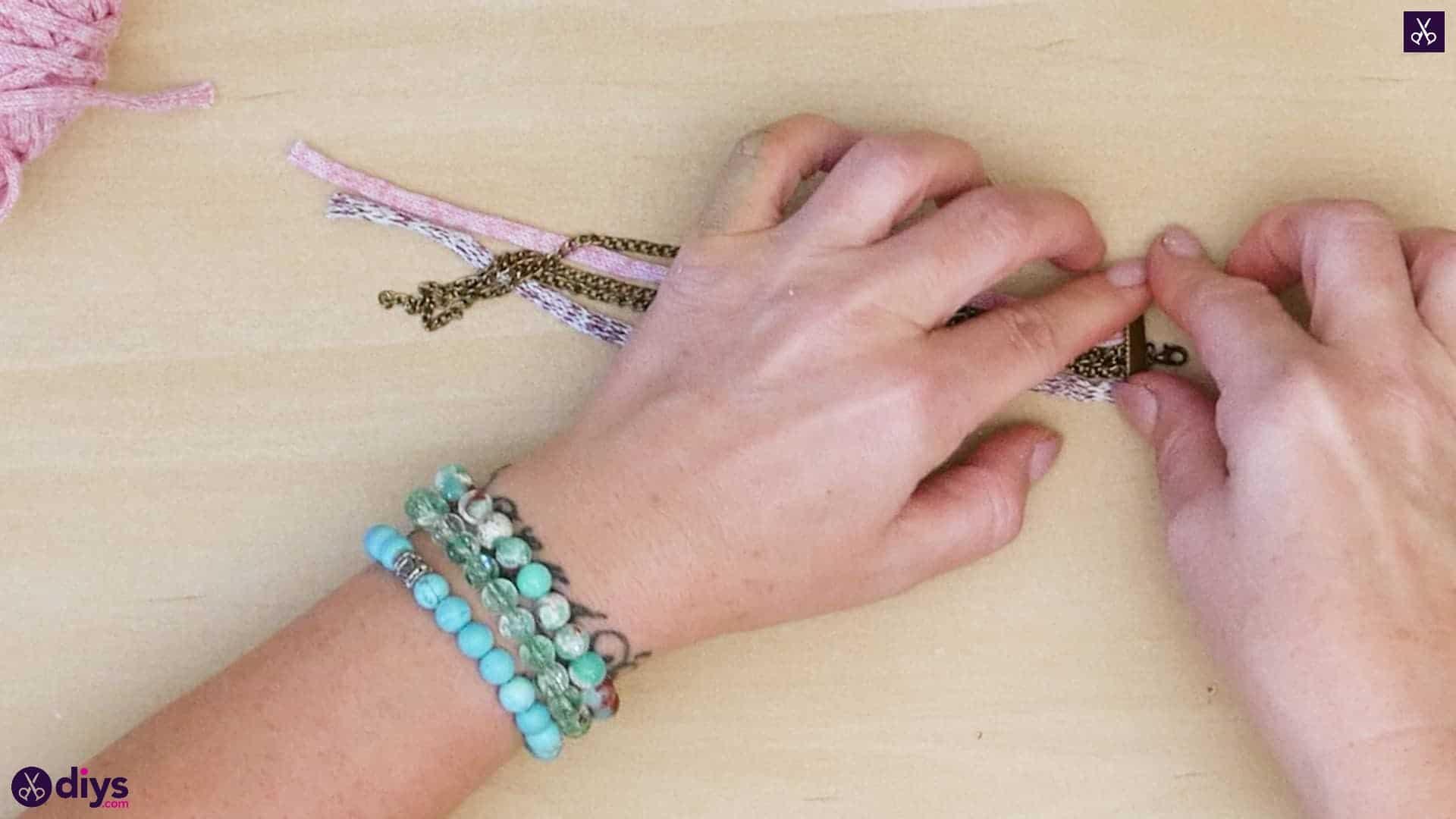 Yarn and chain bracelet step 2c