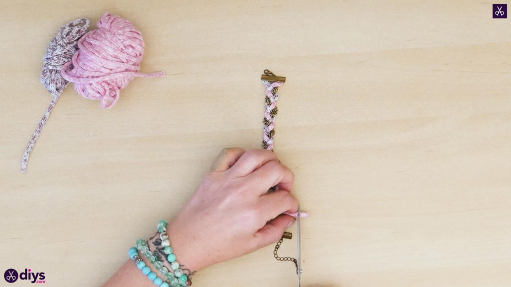Yarn and chain bracelet step 4