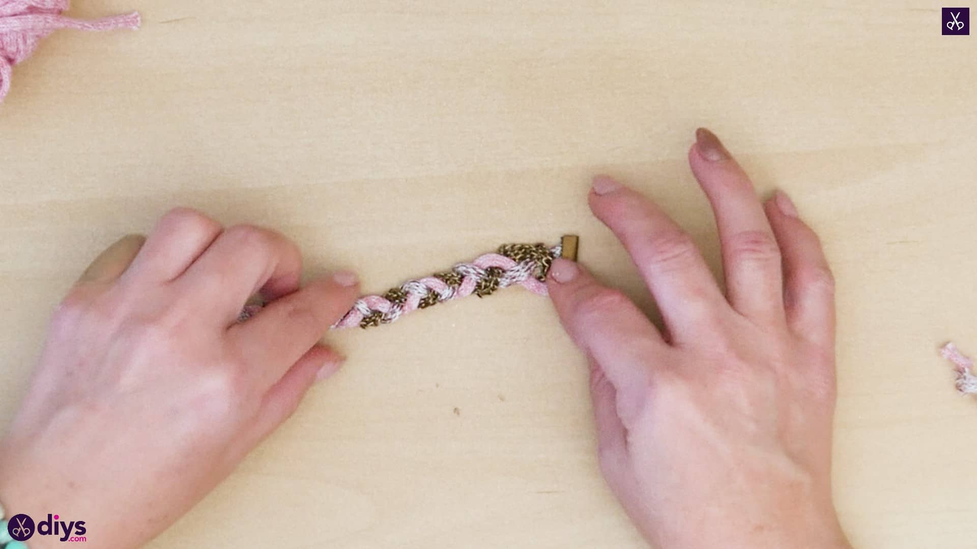 Yarn and chain bracelet step 5b