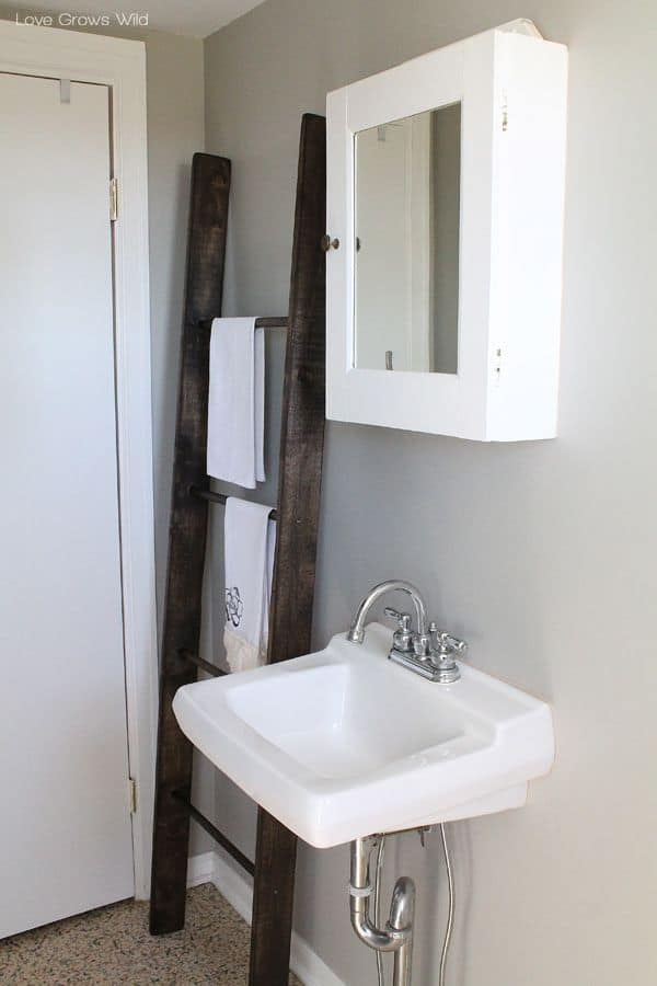 Diy wooden ladder towel rack